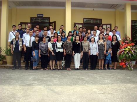 Họp mặt Hội cựu học sinh trường Lê Hữu Trác và kỷ niệm 5 năm ngày tốt nghiệp của khóa 1 lớp Y sĩ YHCT của trường (30-11-2014).