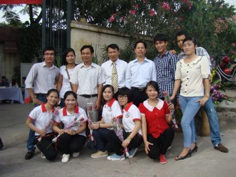 Lớp Y5 kỷ niệm 5 năm thành lập trường.